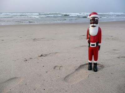 Ghana-beach-Santa