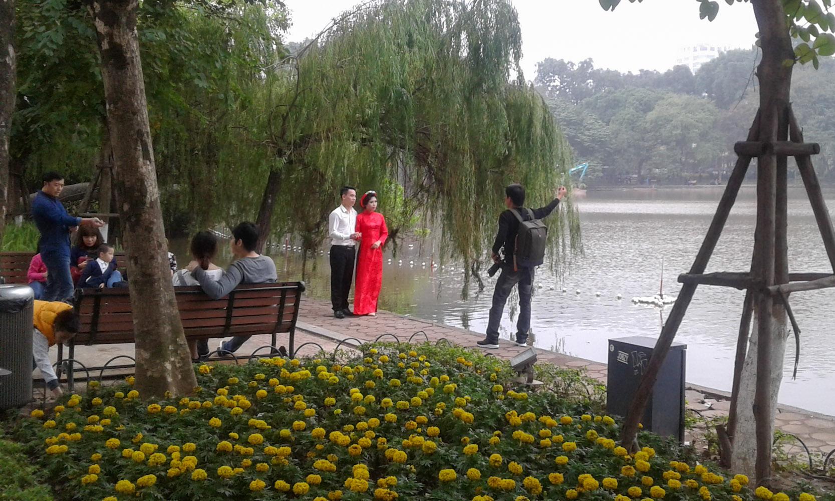 wedding-photo-on-lake